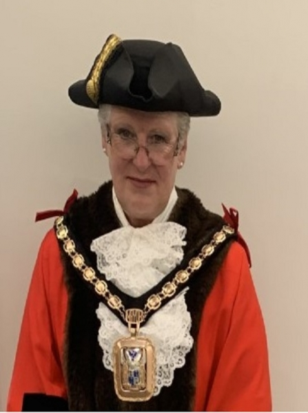 Photograph of the Mayor of Havant 2021-22, Cllr Rosy Raines